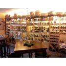 Een Duitse klant heeft  haar winkel ingericht met wijnrekken Kabinett. De rekken lenen zich voor presentatie en verkoop van regionale producten.